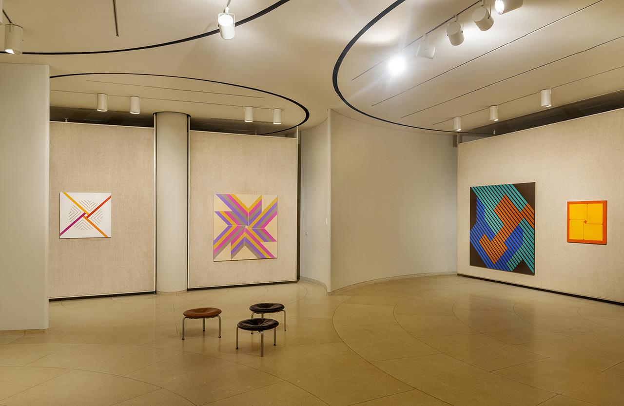 P!, Lustig-Cohen_Glass-House_8004825_med