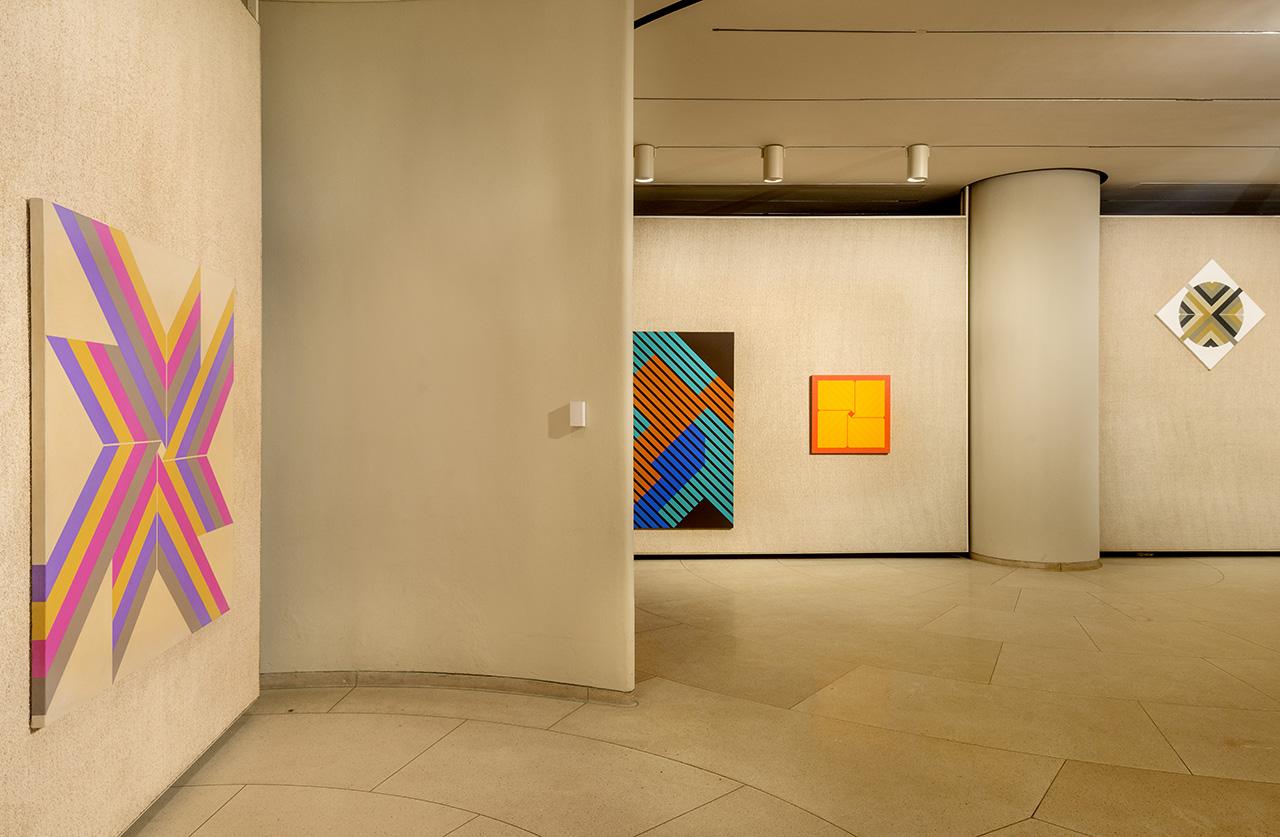 P!, Lustig-Cohen_Glass-House_8004852_med