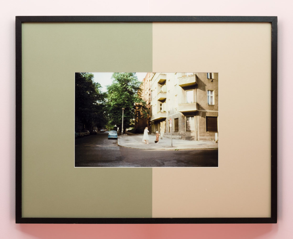 P!, o_u_DSF4768_low_res Barbara Bloom, Berlin Street Corner, 1989